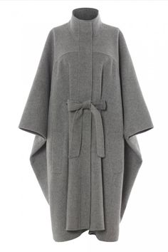 Capes have become one of the coolest cover ups on catwalk and on the high street. Here's Marie Claire's edit of the best capes. Abaya Fashion, Muslim Fashion, Fashion Outfits, Fashion Fashion, Fashion Trends, High Street Fashion, Wool Cape, Cape Coat, Mode Kimono