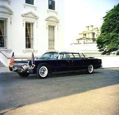 1961 Lincoln President JFK Limo X 100 KENNEDY CAR 1/24 Presidential Series [http://en.wikipedia.org/wiki/Presidential_state_car_(United_States)