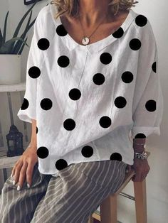 See our good selection of ladies tops for each situation.Get last the new time of the year using our collection of women's items. Latest Fashion For Women, Trendy Fashion, Fashion Online, Peach Prom Dresses, Pullover Shirt, Latest Tops, Moda Fashion, Women's Fashion, Casual Tops For Women