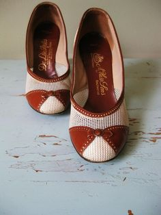 SALEVintage Preppy Pumps 55 by Swoonshop on Etsy