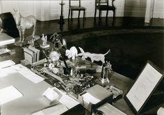 La scrivania del presidente Franklin D. Roosevelt alla Casa Bianca, 24 dicembre 1934. - (Margaret Bourke-White, Estate of Margaret Bourke-White/Licensed by Vaga)