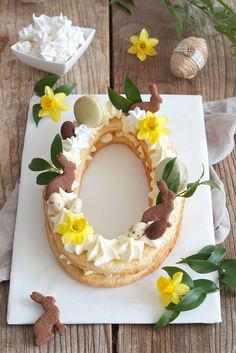 Number Cake als Ostertorte // Easter Cake … Der Kuchentrend 2018 Letter Cake bzw. Number Cake als Ostertorte // Easter Cake – Letter Cake for Easter – eggshaped Letter Cake as Easter dessert // Sweets & Lifestyle®️️ Easy Easter Desserts, Easter Recipes, Easter Ideas, Dessert Recipes, Cake Basketball, Easter Cupcakes, Easter Cake, Easter Food, Flower Cupcakes