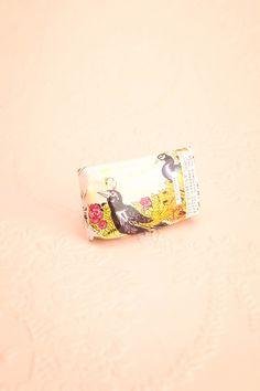 Mini Soap - Staccato - Paon ♥ Dans les méandres d'un souvenir, le parfum d'une douce rencontre flottera sur sa peau entichée. In the meanderings of a memory, the perfume of a gentle encounter will float on his infatuated skin.