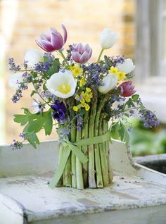 Karin Lidbeck: Asparagus in Flower Arranging, Country Gardens Magazine
