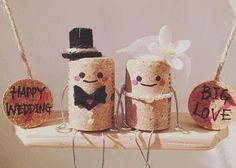 "It 's a waste to throw it away! Used ""wine cork .- 捨てちゃうなんてもったいない!使用済み『ワインコルク… It 's a waste to throw it away! Cute wedding items that can be made with used ""Wine Cork"" ♡- wedding items that can be made with used wine cork - Wine Cork Wreath, Wine Cork Art, Wine Cork Crafts, Wine Bottle Crafts, Wine Corks, Champagne Cork Crafts, Champagne Corks, Wire Crafts, Diy And Crafts"