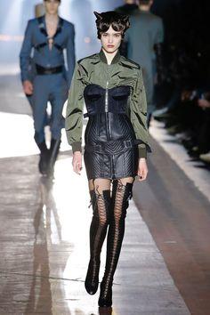 Moschino | Menswear - Autumn 2018 | Look 58
