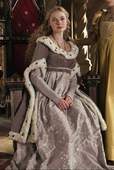 Historical Accuracy Reincarnated - tudorcostume: Elizabeth Woodville's Grey Gown...