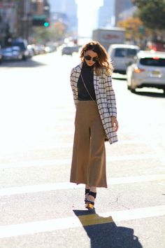 Knitted camel culottes | Queen of Jet Lags