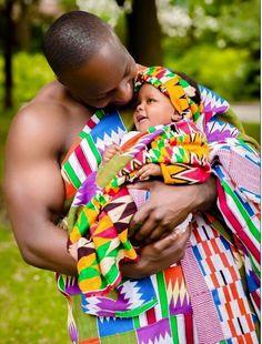 Bebé lleno de color y amor.