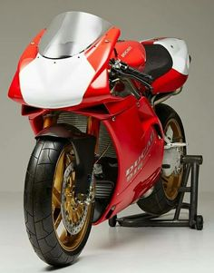 Ducati 916 Shared by Motorcycle Fairings - Motocc Ducati 996, Ducati Superbike, Moto Ducati, Ducati Motorcycles, Ducati Sport Classic, Classic Motorcycle, Ducati Models, Motorcycle Design, Cafe Racer