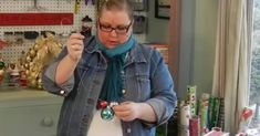The woman threads Christmas balls on the hanger. Source by mlpfindel Christmas Balls, Winter Christmas, Christmas Gift Decorations, Jolly Holiday, Diy Projects To Try, Plastic Bottles, Dory, Diy Home Decor, Diy And Crafts