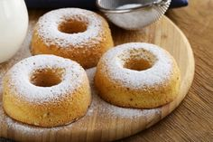 "There's just something about doughnuts that I absolutely love! However, I don't eat them that often because they are not exactly ""healthy""…until now! My Vanilla Spice Donuts have no added su Protein Donuts, Cake & Co, Menu, Yummy Food, Tasty, Italian Desserts, Breakfast Bake, Doughnuts, I Foods"