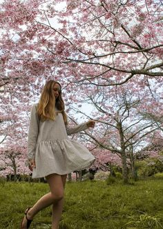 7 Ways To Enjoy Spring In Auckland, Botanic Garden Cherry Blossoms Cherry Blossom Pictures, Cherry Blossoms, Country Lifestyle, In Season Produce, Photo Diary, Pink Candy, Winter Day, Auckland, Botanical Gardens