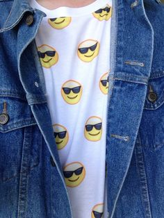 """coachela: """" coachela: """" my shirt makes me so happy """" this has gotten this many notes after like 2 hours ? """""""