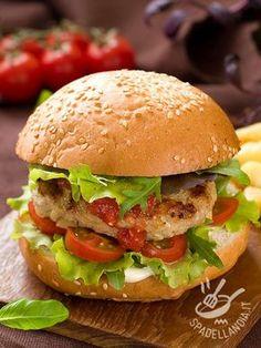 Panini Sandwiches, Wrap Sandwiches, Hamburgers, Bagels, Burger Recipes, Fish Recipes, Tapas Bar, Burger And Fries, Street Food