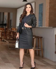 Outfits Mujer, Sexy Outfits, Work Fashion, Skirt Fashion, Professional Outfits, How To Look Classy, Work Attire, Casual Looks, Nice Dresses