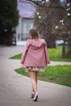 Kwiatowe motywy stylizacji na wiosnę | Spódnica i szpilki w kwiatowy wzór - Annastylefashion Tulle, Skirts, Fashion, Moda, Fashion Styles, Tutu, Skirt, Fashion Illustrations