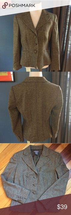 "Ann Taylor Tweed Blazer Gorgeous and classy tweed blazer by Ann Taylor. Featuring stitching details in front and back that enhance the silhouette and flatter your figure, this jacket is fully lined. Shoulder 15.75; Bust 18""; Length 23; Sleeve 22.5. EUC Ann Taylor Jackets & Coats Blazers"