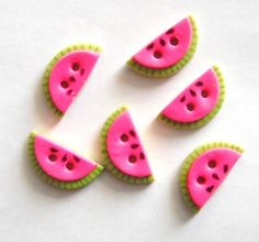 Items similar to Small Watermelon Slices handmade polymer clay buttons ( 6 ) on Etsy Cute Polymer Clay, Polymer Clay Charms, Diy Clay, Handmade Polymer Clay, Clay Crafts, Polymer Project, Watermelon Slices, Biscuit, Yarn Bowl
