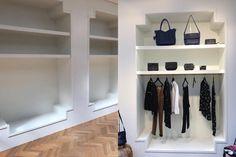 Kast op maat van wit gelakt MDF voor internationaal fashion label uit Amsterdam, maatwerk kledingkast