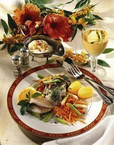 Unser beliebtes Rezept für Karpfenfilet auf feinem Gemüse und mehr als 55.000 weitere kostenlose Rezepte auf LECKER.de.