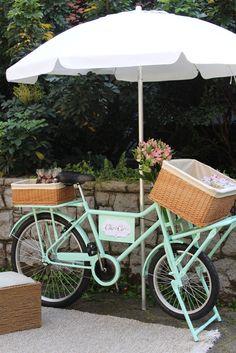 FoodBike Cho•Co Gourmand Ice Cream Station, Ice Cream Cart, Food Truck, Bike Food, E Skate, Candy Art, Food Trailer, Juicy Fruit, Farm Stand
