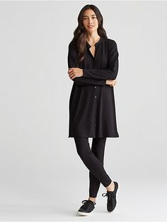 The tunic shirt. Long and straight, with a mandarin collar and side slits. Mother-of-pearl buttons at front placket; Long Down Coat, Old Navy Leggings, Red Turtleneck, Black Tunic, Tunic Shirt, Elegant Outfit, Mandarin Collar, Minimalist Fashion, Minimalist Style