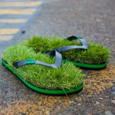 5766d4de1af Kusa flip-flops supposedly give you the feel of walking around on grass