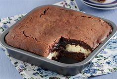 Δίχρωμο μπράουνι με ινδοκάρυδο Greek Sweets, Greek Desserts, Sweet Recipes, Cake Recipes, Dessert Recipes, Cook Pad, Brownie Cake, Brownies, Cooking Cake