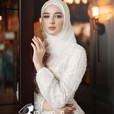 Wedding Hijab Styles, Muslim Wedding Dresses, Muslim Brides, Muslim Dress, Dream Wedding Dresses, Bridal Dresses, Hijab Evening Dress, Hijab Dress Party, Hijab Style Dress