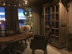 Alle møblene er fra Møblia Home Decor, Home, Decor, Fireplace