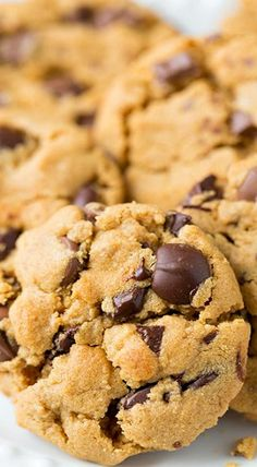 #peanutbutter #chocolate #chocolatechip #cookies #baking #recipe #food #foodie #foodporn
