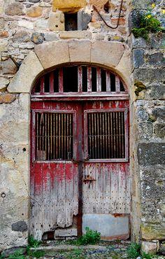 love this old red door.