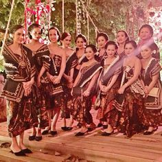 "Still can't get enough of last night wedding! The javanese culture also translated into the bridesmaid dresses. Checkout how lovely these ladies looked in modern ""dodot"" designed by @ramadauhan  What a wedding trendsetter!  Courtesy of @mcharlotte9"