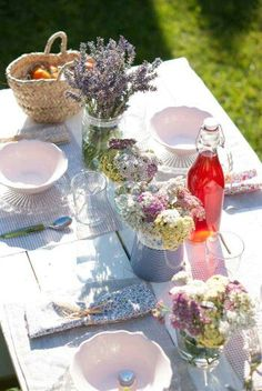 Spring Tablesetting