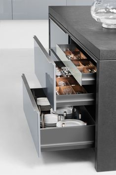 Understanding why every kitchen needs the right kitchen storage options to accommodate a household's needs, beginning with kitchen cabinetry. Kitchen Organisation, Kitchen Storage Solutions, Kitchen Furniture, Kitchen Decor, Furniture Design, Kitchen Design Open, Kitchen Cabinetry, Kitchen Accessories, Interior Design Living Room