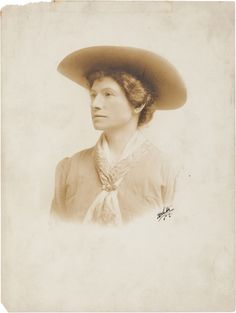 Photography:Studio Portraits, Annie Oakley: Oversized Signed Photograph as The WesternGirl. Cowboy Christmas, Country Christmas, Christmas Christmas, Vintage Cowgirl, Cowboy And Cowgirl, Hatfields And Mccoys, Old West Photos, Wild West Cowboys, Annie Oakley
