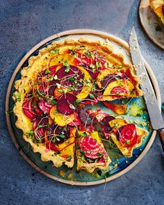This beautiful goat's cheese and beetroot quiche is perfect for summer entertaining and makes a truly showstopping vegetarian tart. Sicilian Recipes, Cuban Recipes, New Recipes, Recipies, Sicilian Food, Amazing Recipes, Cooking Recipes, Vegetarian Tart, Vegetarian Recipes