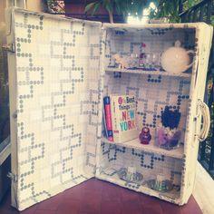 Come trasformare una valigia vecchia in una piccola libreria <3