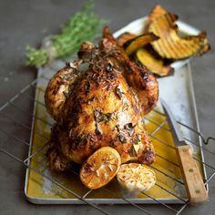 Kylling er enkel og god mat, og verdens mest spiste kjøttslag. Men kjøp ikke bare kyllingfiletene. Hel kylling er rimeligere, og smaker enda bedre.