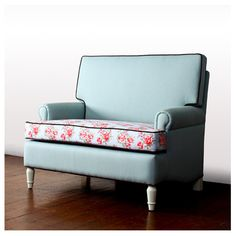 Cath Love Seat