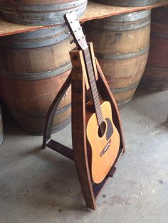 This Guy Creates Some Pretty Epic Stuff From Wine Barrels pics) Wine Barrel Crafts, Wine Barrel Table, Wine Barrels, Barrel Projects, Wood Projects, Bourbon Barrel Furniture, Barris, Guitar Stand, Music Stand