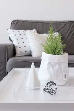 MA MAISON BLANCHE - grey and white livingroom with scandinavian touch #hay…