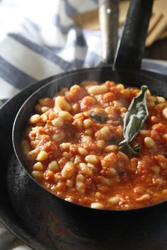 Fagioli all'uccelletto – Tuscan style beans recipe  [Photo credits: Serena…