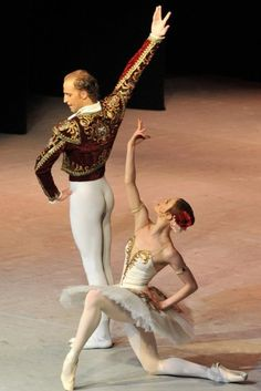 """Elena Evseeva and Sergey Sidorsky in Pas de Deux  from """"Don Quixote"""" # The 2010 Russian Ballet Festival in Ann Arbor, Michigan"""