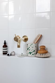 Bathroom essentials - hope you are all having a wonderful Saturday so far ! Ad as brands are tagged Bathroom Layout, Bathroom Interior Design, Living Room Interior, Interior Livingroom, Interior Doors, Interior Paint, Bathroom Ideas, Layout Design, Bathroom Essentials