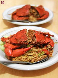 Special dish from Aceh, Sumatra, Indonesia. Crab Recipes, Asian Recipes, Ethnic Recipes, Sea Food, Food Food, Curry Noodles, Lamb Curry, Indonesian Cuisine, Beverages