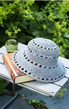 Virkattu hellehattu Crochet Beret Pattern, Crochet Beanie, Crochet Stitches, Knitted Hats, Crochet Patterns, Diy Crafts Crochet, Crochet Projects, Sombrero A Crochet, Crochet Summer Hats