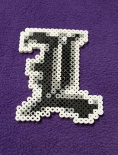 L magnet - Death Note perler beads by Kandi Patterns, Pearler Bead Patterns, Perler Patterns, Beading Patterns, Perler Beads, Perler Bead Art, Fuse Beads, Hamma Beads Ideas, Kaneki