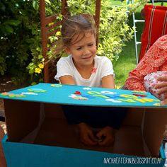 Nachäfferin: Was fühlst du? Tastsinn schärfen mit der Fühlbox. 5th Birthday, Happy Birthday, Picnic Blanket, Outdoor Blanket, Kids And Parenting, Montessori, Diy And Crafts, Teaching, School